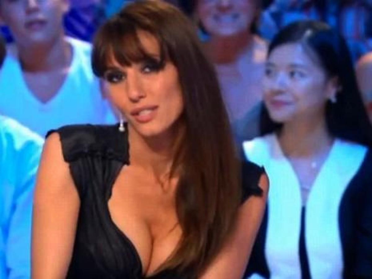 Секс шоу с голыми ведущими, Голое ТВ Каталог эротического видео 8 фотография