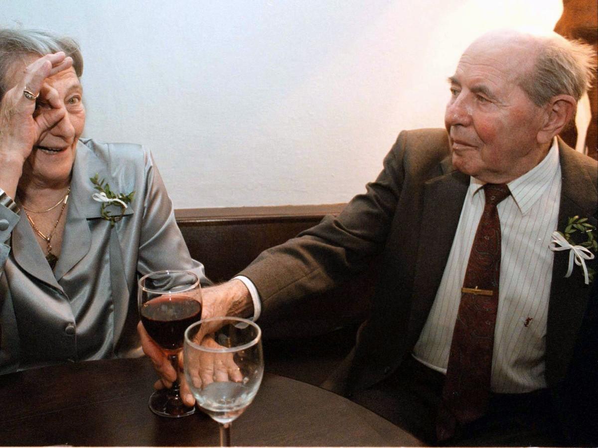 Dana Zátopková a Emil Zátopek v roku 1998