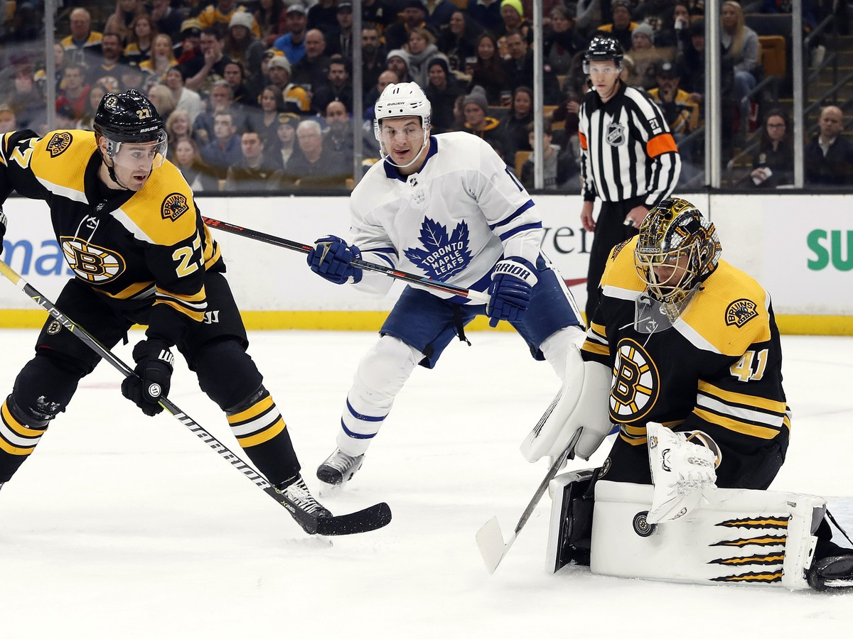 Jaroslav Halak on attack against Toronto striker Zach Hyman