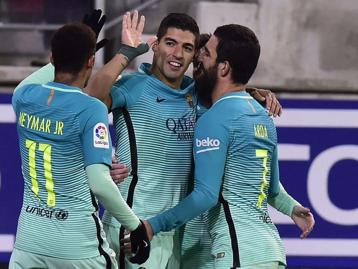 VIDEO Hviezdne trio Barcelony zdemolovalo Eibar, Sevilla uspela v gólovej prestrelke