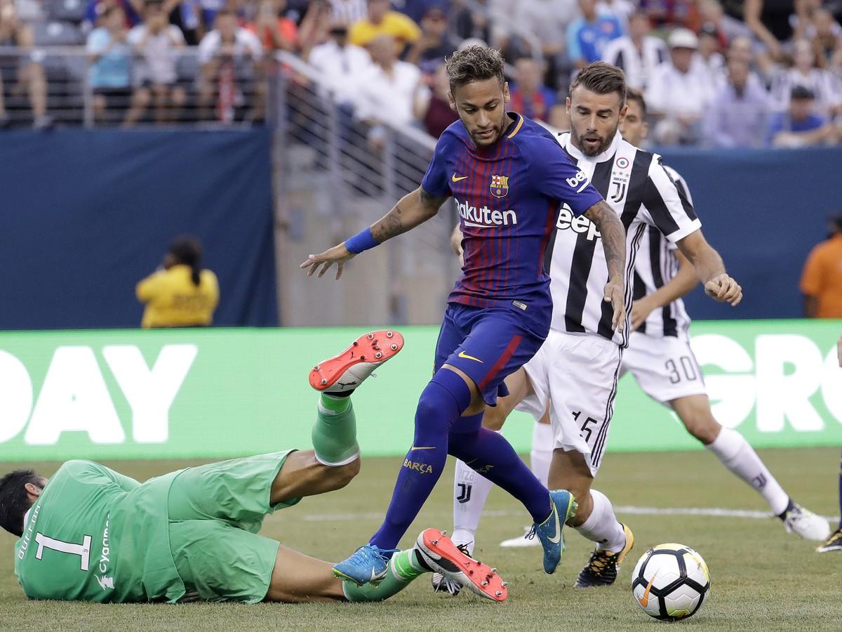 VIDEO Z obrany si spravil kužele: Neymar strelil góly ako z inej planéty!