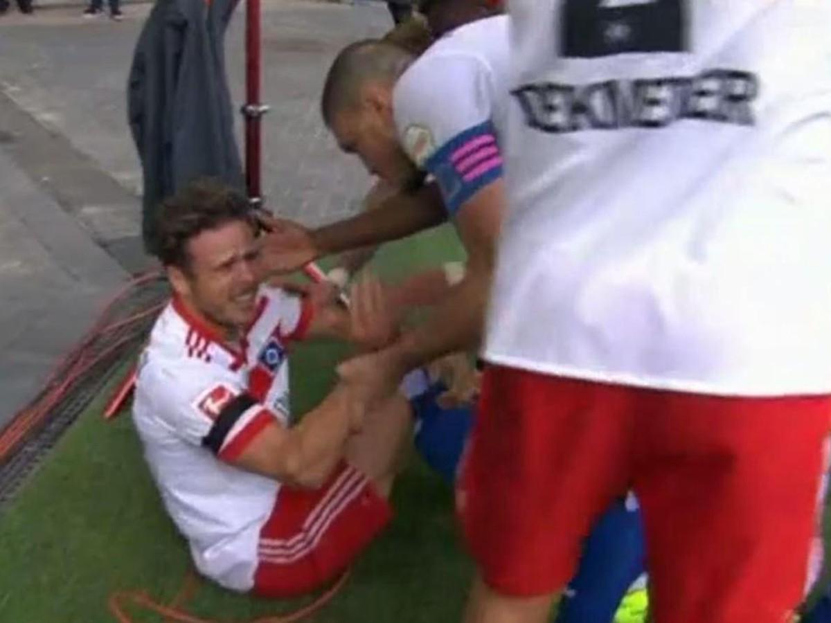 VIDEO Tomu sa povie nešťastie: Útočník Hamburgu sa zranil pri oslave gólu