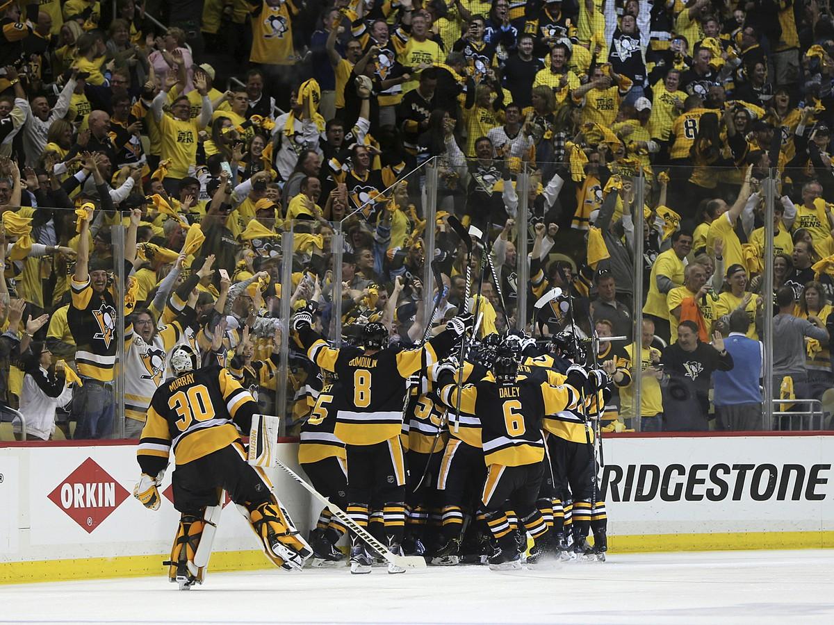 VIDEO Obrovská dráma rozuzlená v dvojitom predĺžení: NHL môže mať po roku rovnakého víťaza