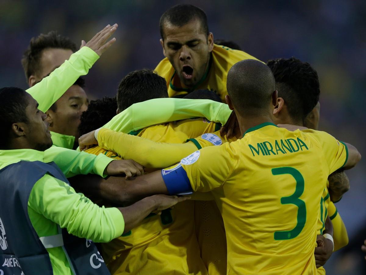 692c2aa0dd40e VIDEO Brazília mieri do štvrťfinále z prvého miesta: Venezuela padla aj bez  Neymara | Športky.sk