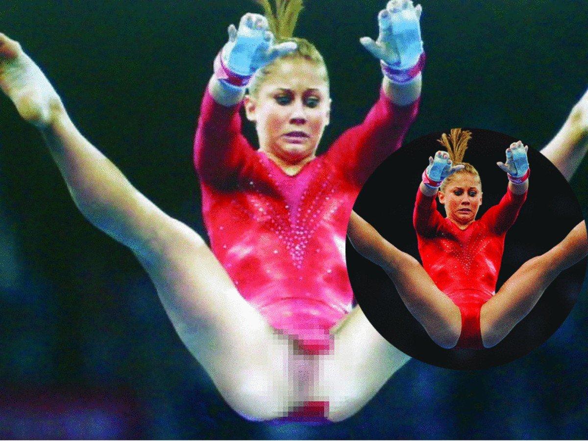 Трусики засветы у спортсменок, Спортсменки засветились с обнаженными интимными 24 фотография