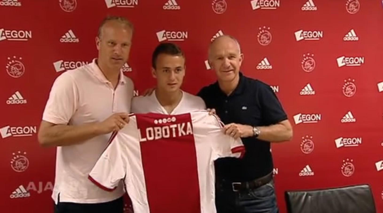 Dennis Bergkamp, Stanislav Lobotka