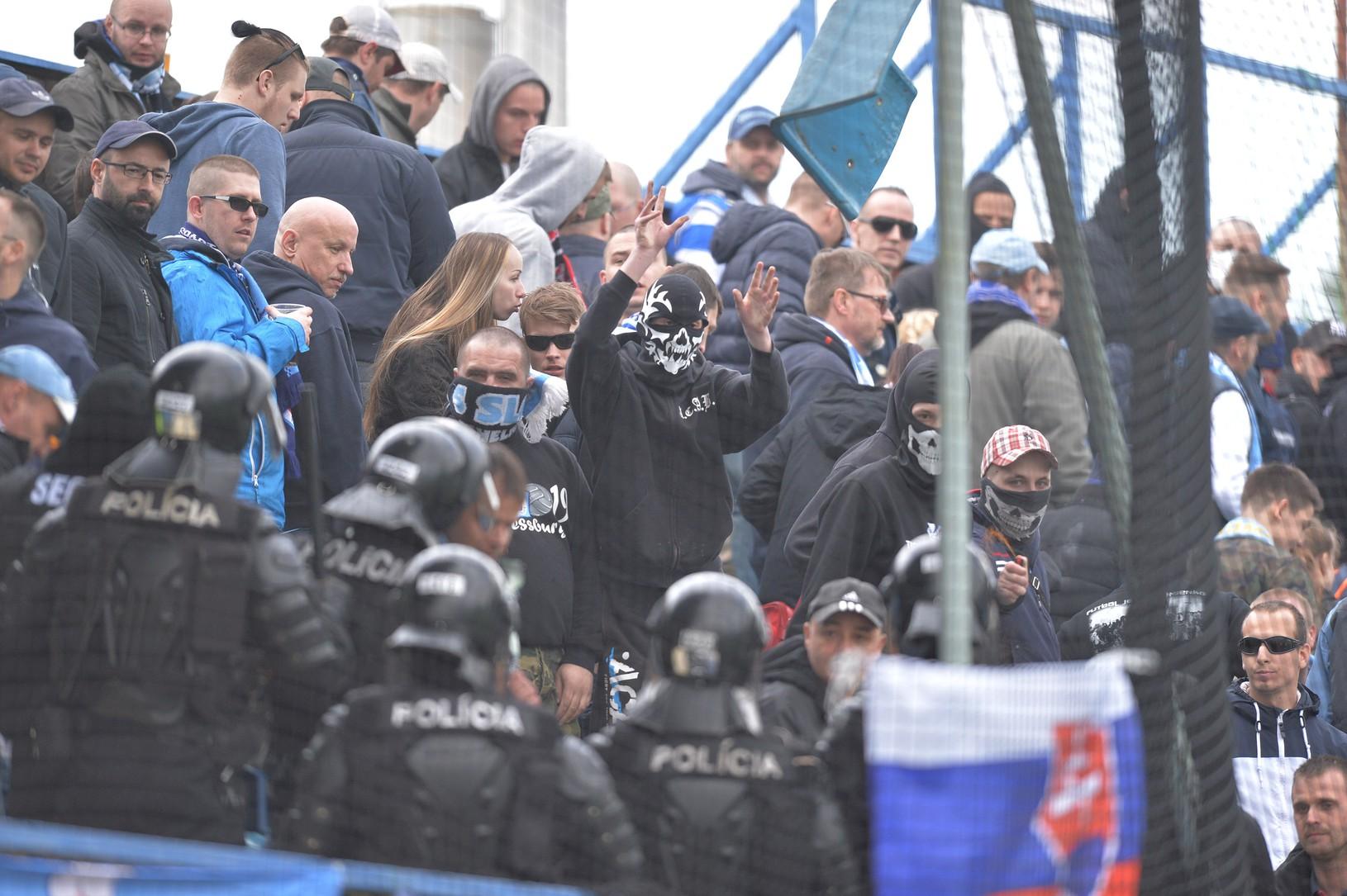 Fanúšikovia Slovana pred začiatkom