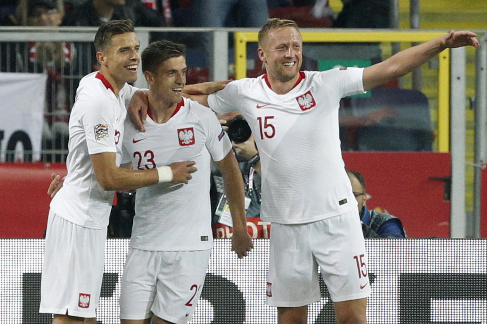 Poliaci oslavujú gól
