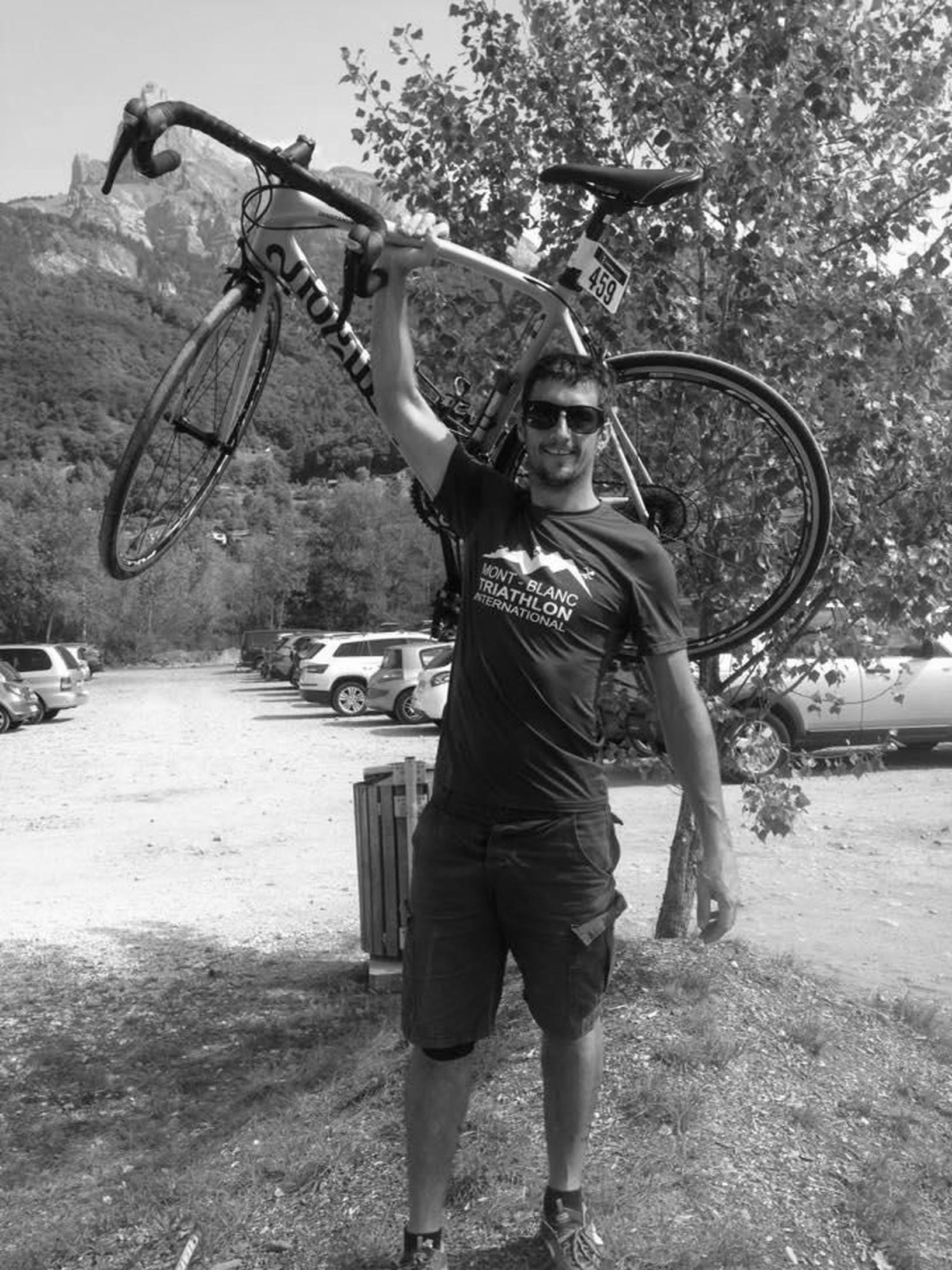 Cyklista Marc Sutton tragicky