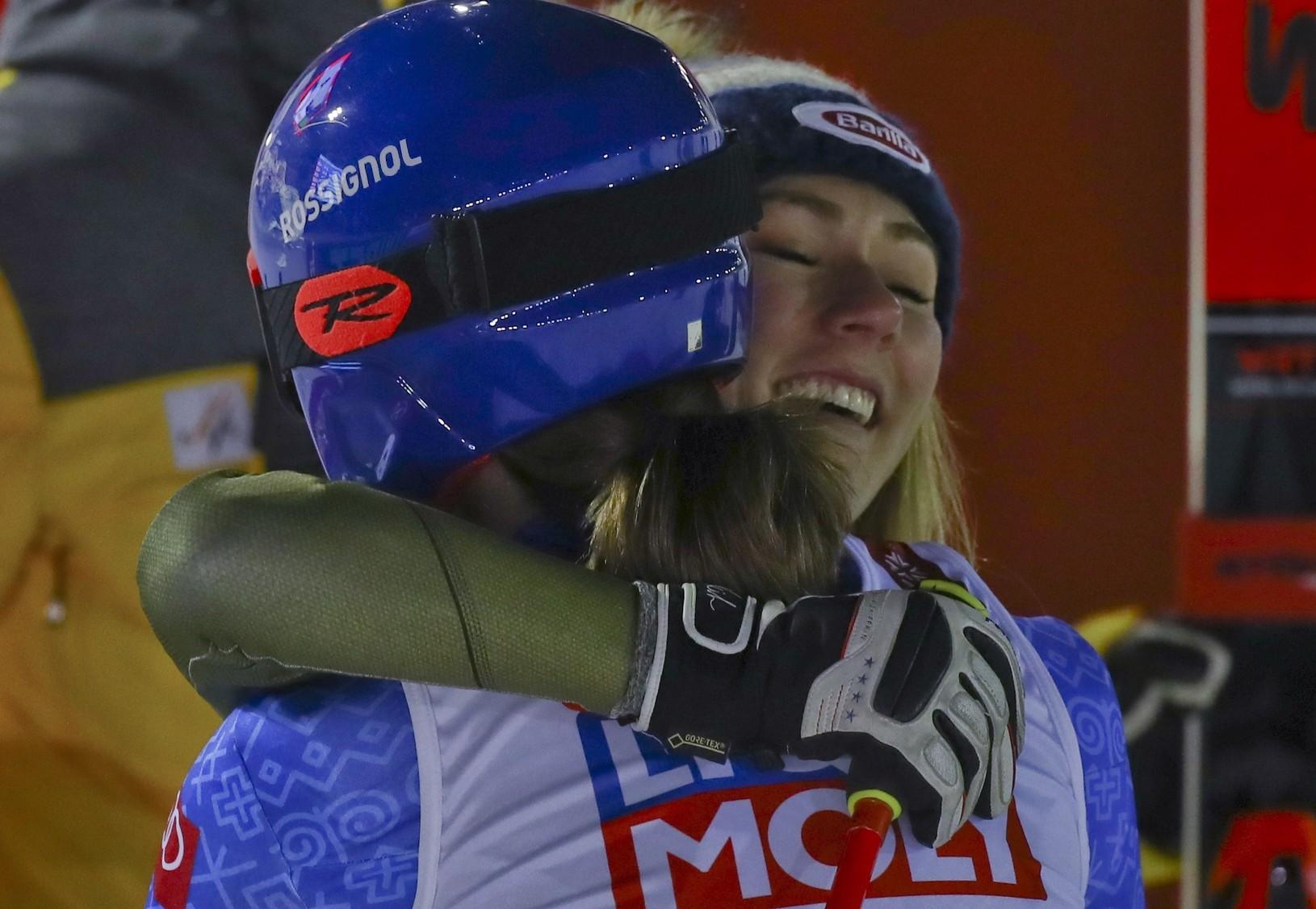 Mikaela Shiffrinová blahoželá zlatej
