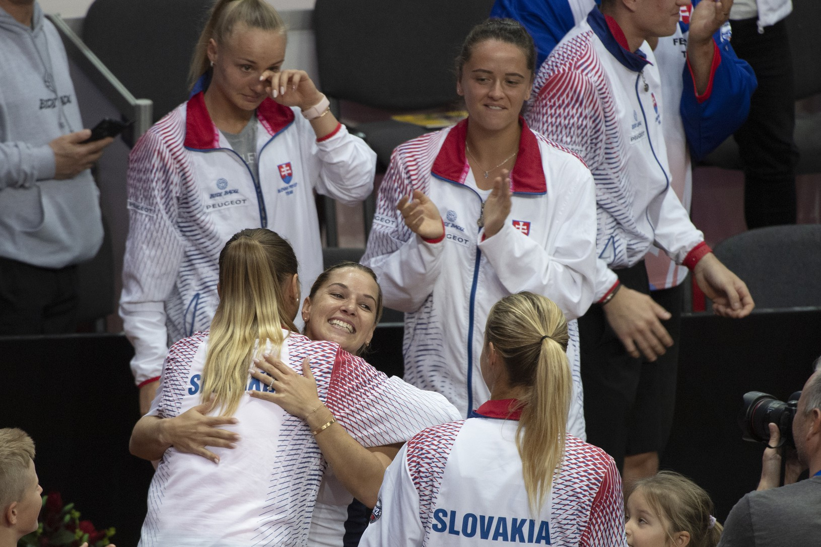 Dominika Cibulková v objatí