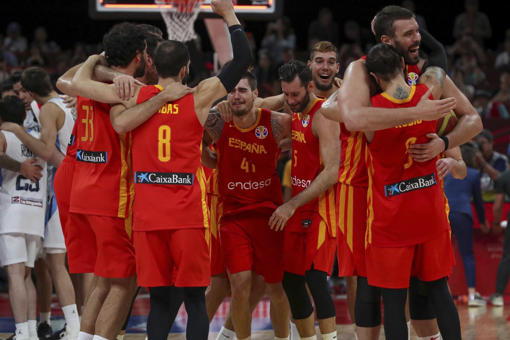 Španielski basketbalisti sa tešia