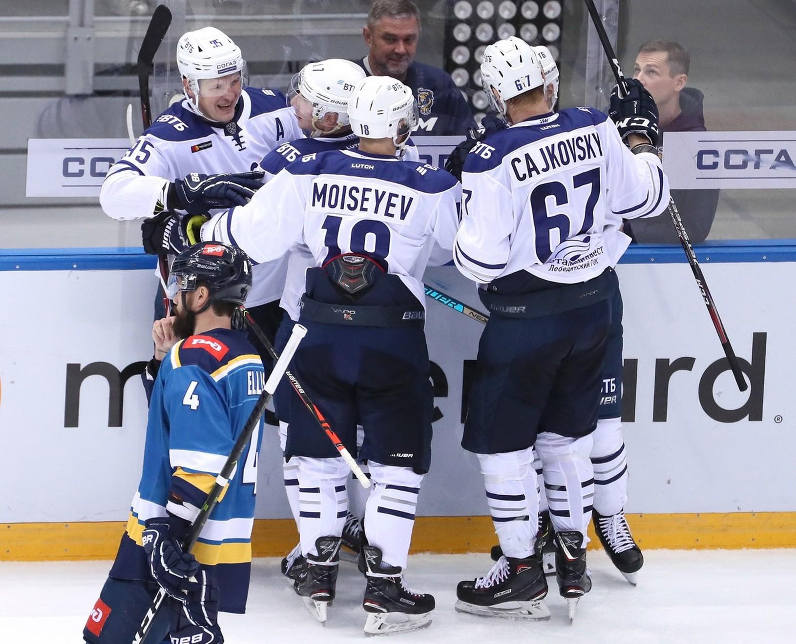 Michal Čajkovský sa raduje