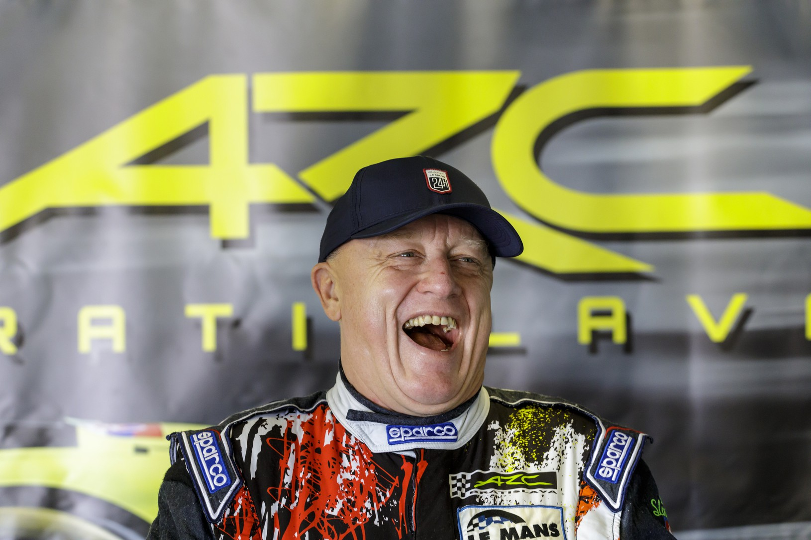 Slovenský automobilový pretekár Miro