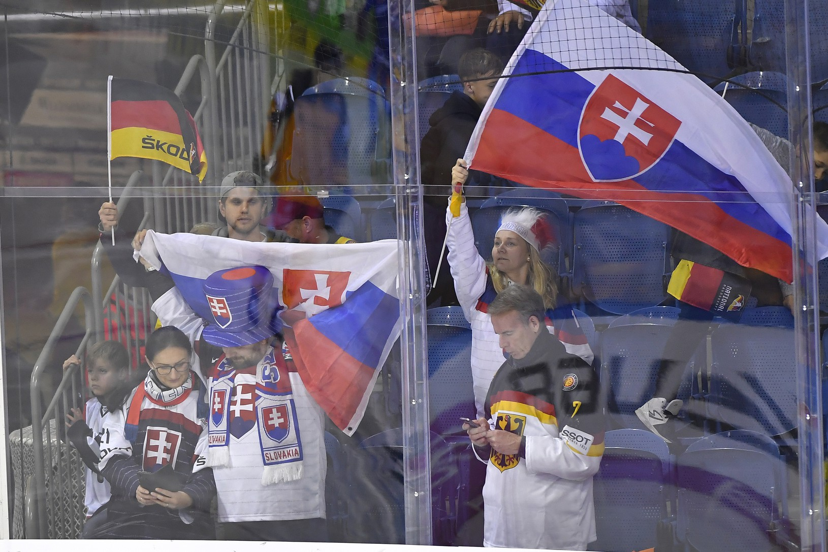 Na snímke slovenskí fanúšikovia