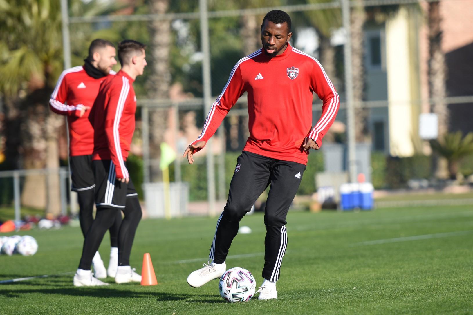 Anthony Izuchukwu, nový hráč
