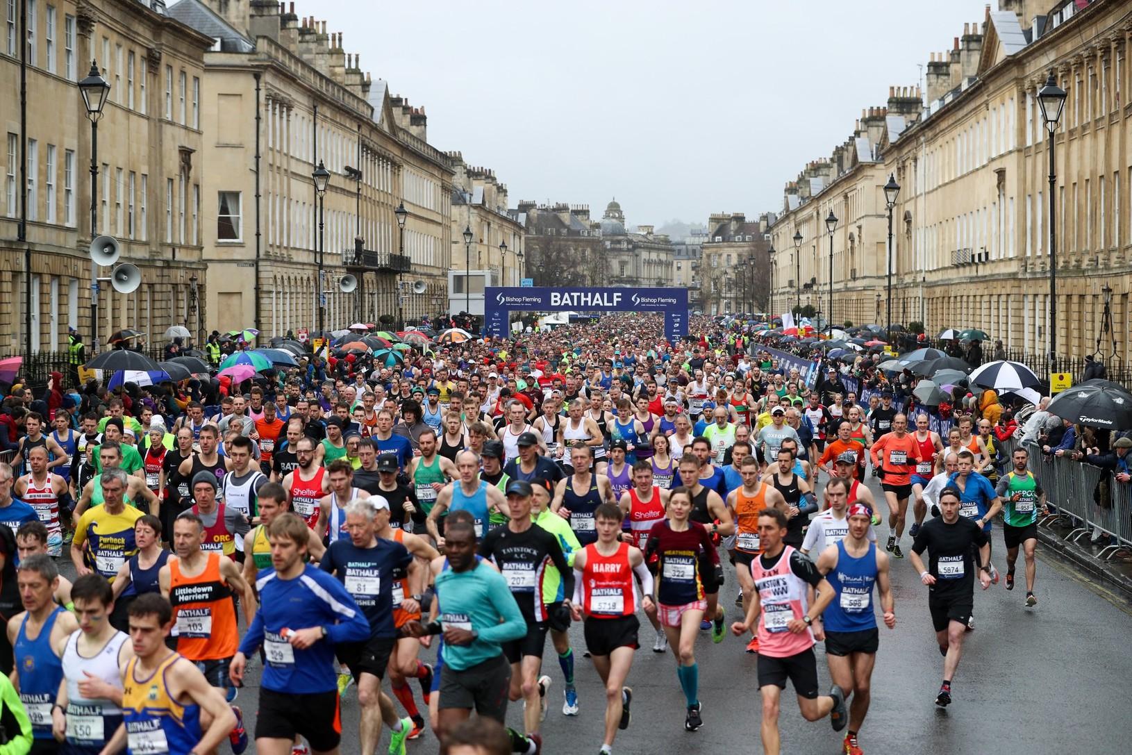 Polmaratón sa konal napriek