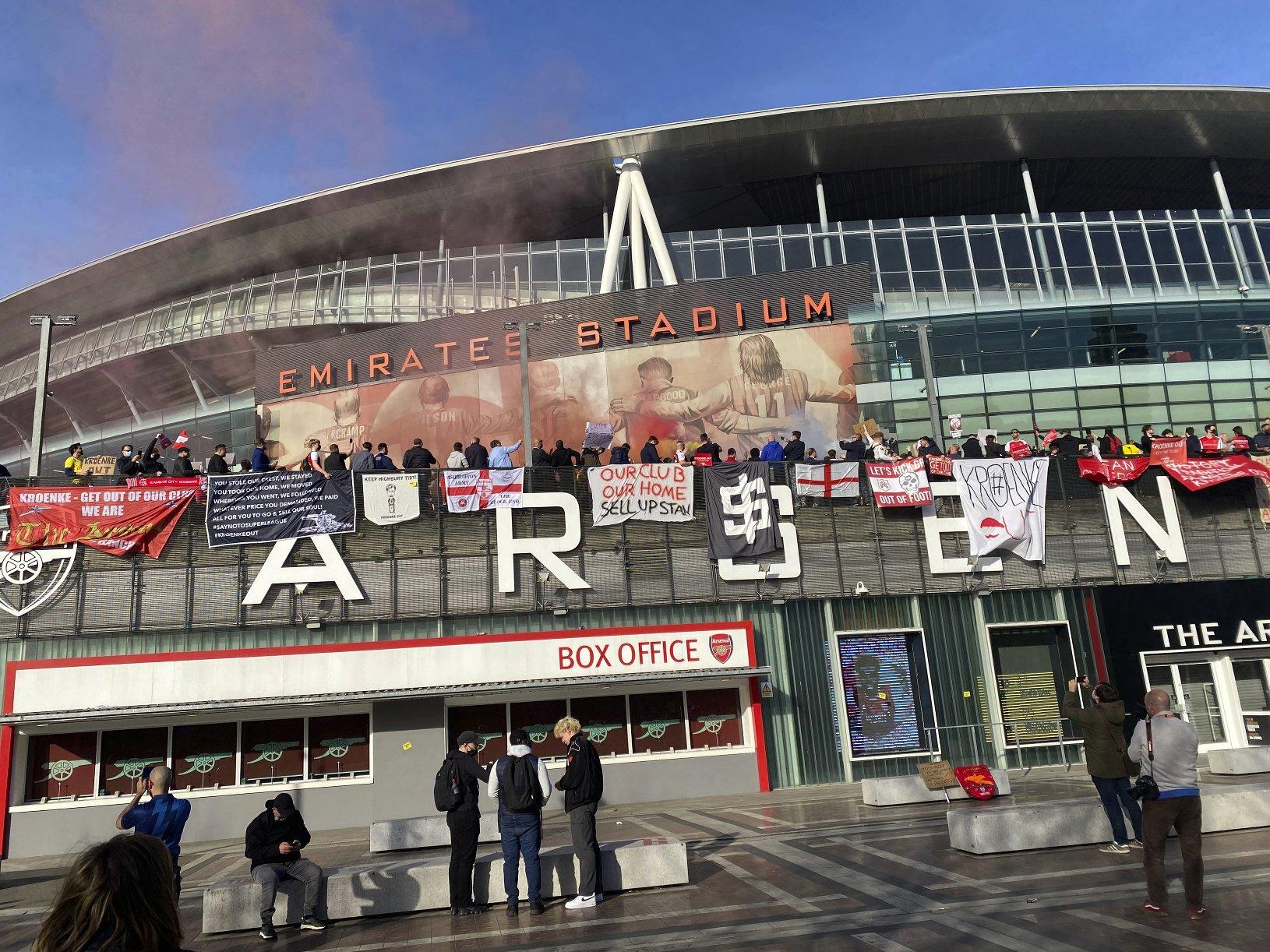 Fanúšikovia žiadajú odchod majiteľa