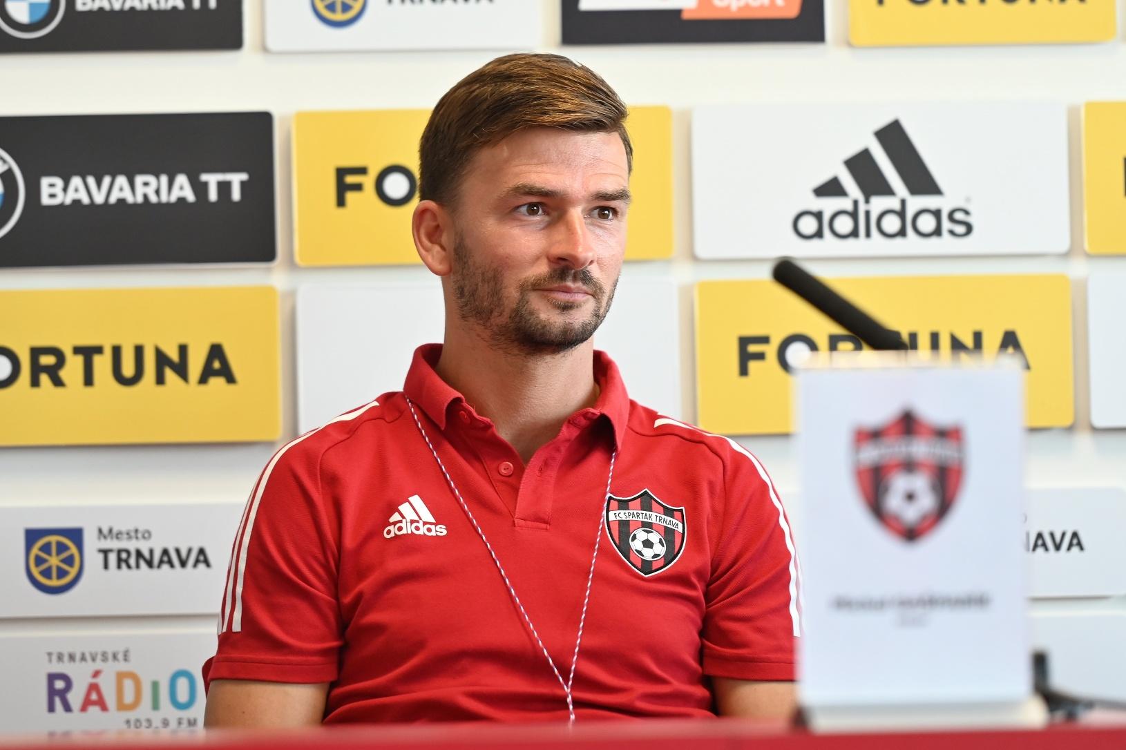Tréner Trnavy Michal Gašparík