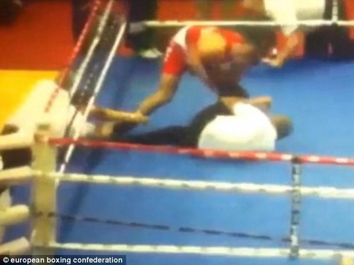 VIDEO Brutálneho ataku na rozhodcu: Rozzúrený mladý boxer mu po prehre uštedril tvrdé KO!