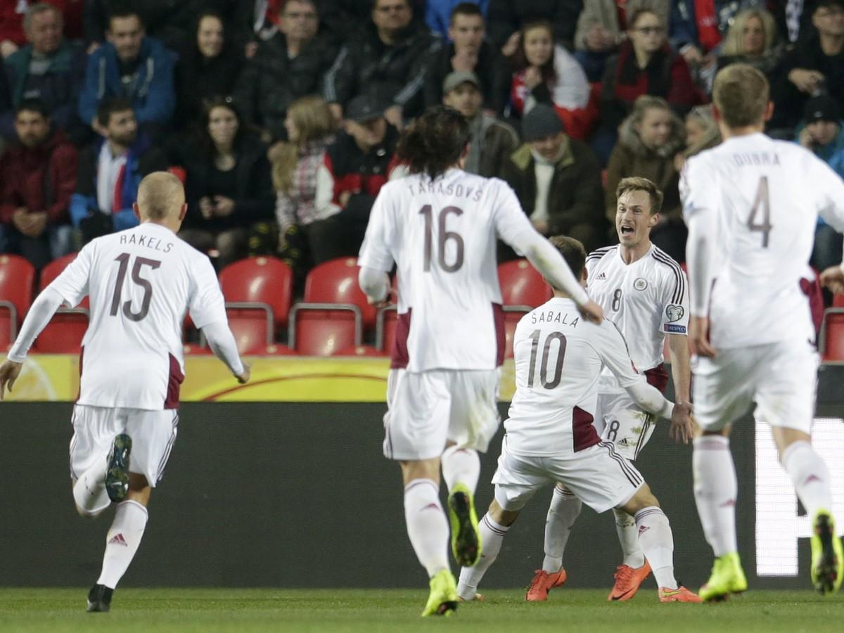 VIDEO Česi doma s Lotyšmi prekvapujúco zaváhali, len s remízou aj Holandsko