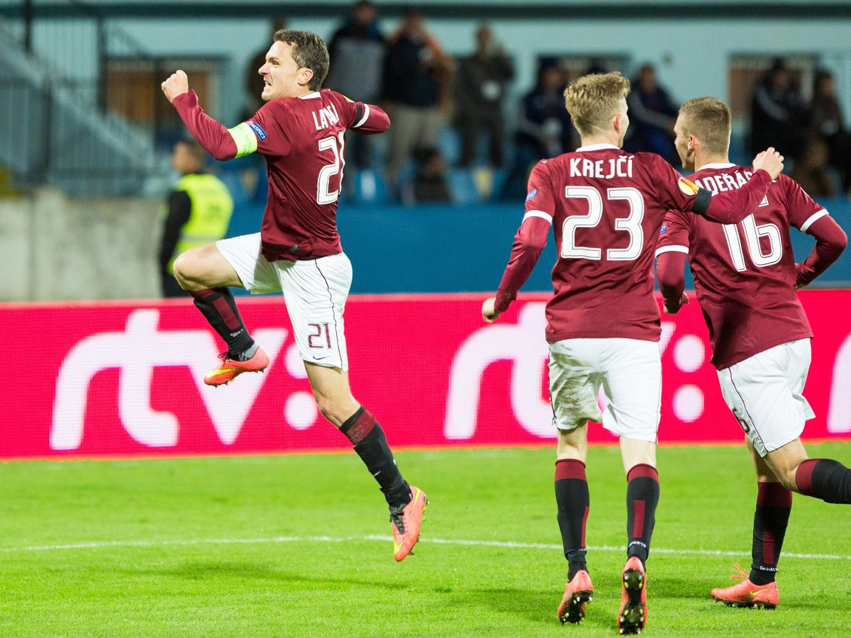 Slovan prehral rozdielom triedy: Zápas poznačilo vyčíňanie fanúšikov Sparty