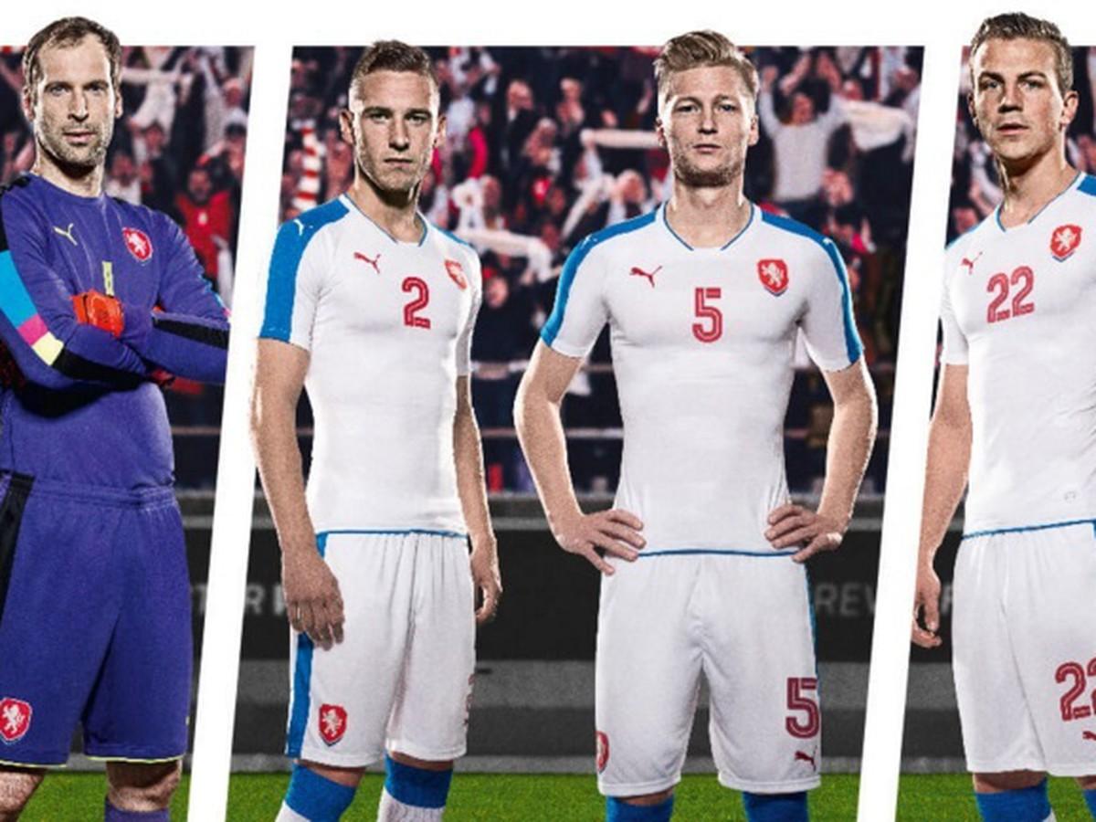 FOTO Českí fanúšikovia neveria vlastným očiam: Dresy na EURO 2016 majú rovnaké ako Slovensko