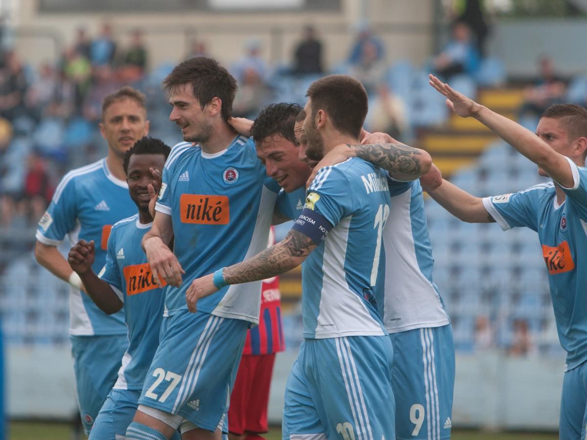 Rozhorčení belasí na Gibraltáre: Ako tu mohla UEFA povoliť hrať?