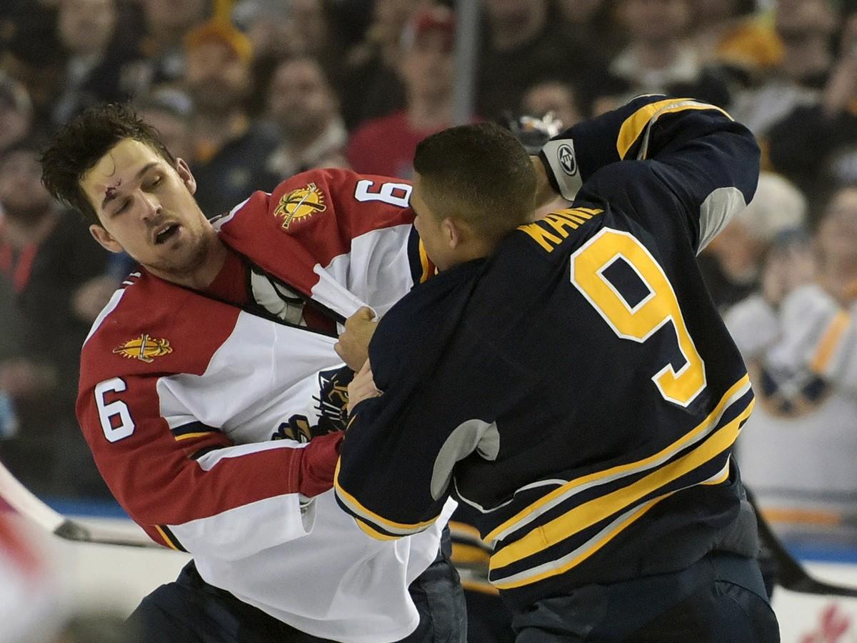 VIDEO Kane sa pobil trikrát v jednom zápase: Takáto bitka tu nebola už štrnásť rokov!