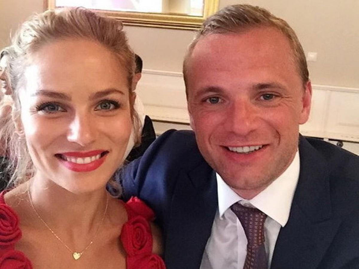 a50b813b63e9 Surovcová a Gáborík sú už svoji  Známy Slovák svadbu takmer zmeškal ...