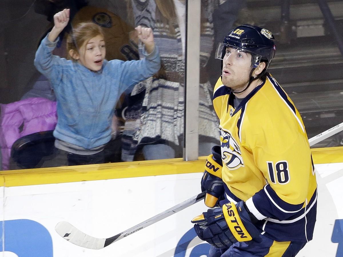VIDEO Známy simulant opät potvrdil svoju povesť: Nové pravidlo v NHL mu vynieslo pokutu