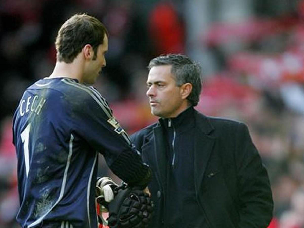 VIDEO Mourinho prehovoril o prestupe Petra Čecha: Ako je možné, že skončil u konkurencie?