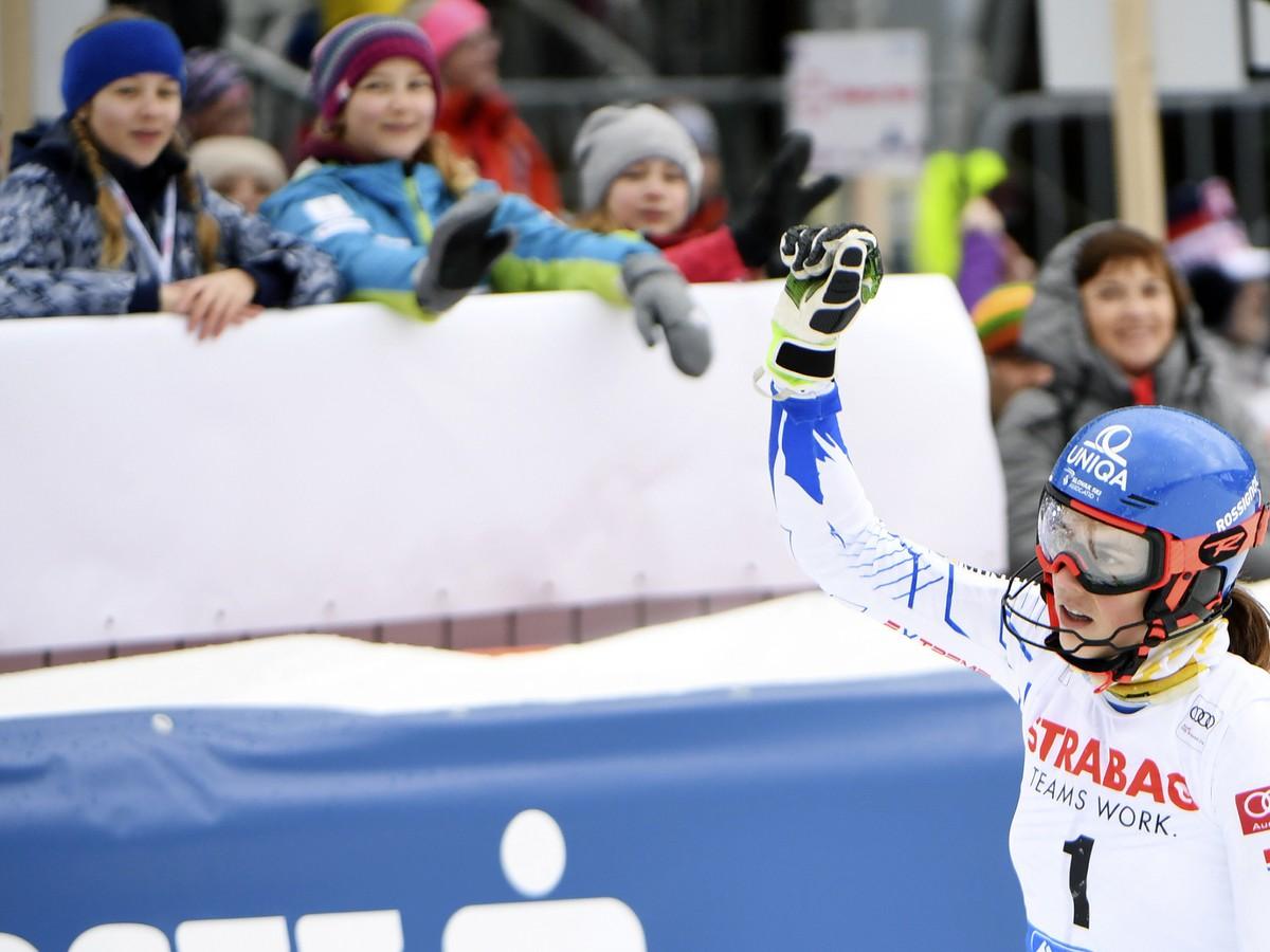e30febdc9 Na snímke slovenská lyžiarka Petra Vlhová počas 2. kola slalomu žien na  Svetovom pohári v