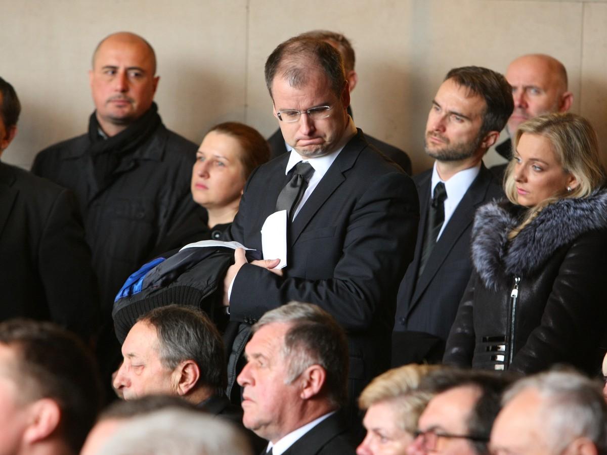 FOTO Marcel Merčiak so zdrvenou tvárou: S Niňajom sa prišli rozlúčiť hokejisti a celebrity