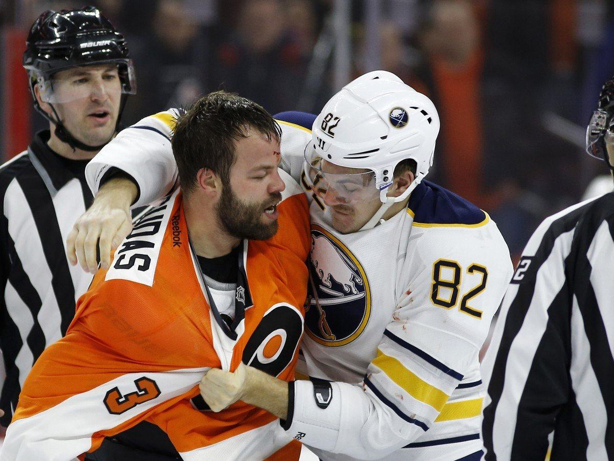 Týmto Čech naštval celú NHL. VIDEO brutálneho faulu: Je to idiot a špinavý hráč