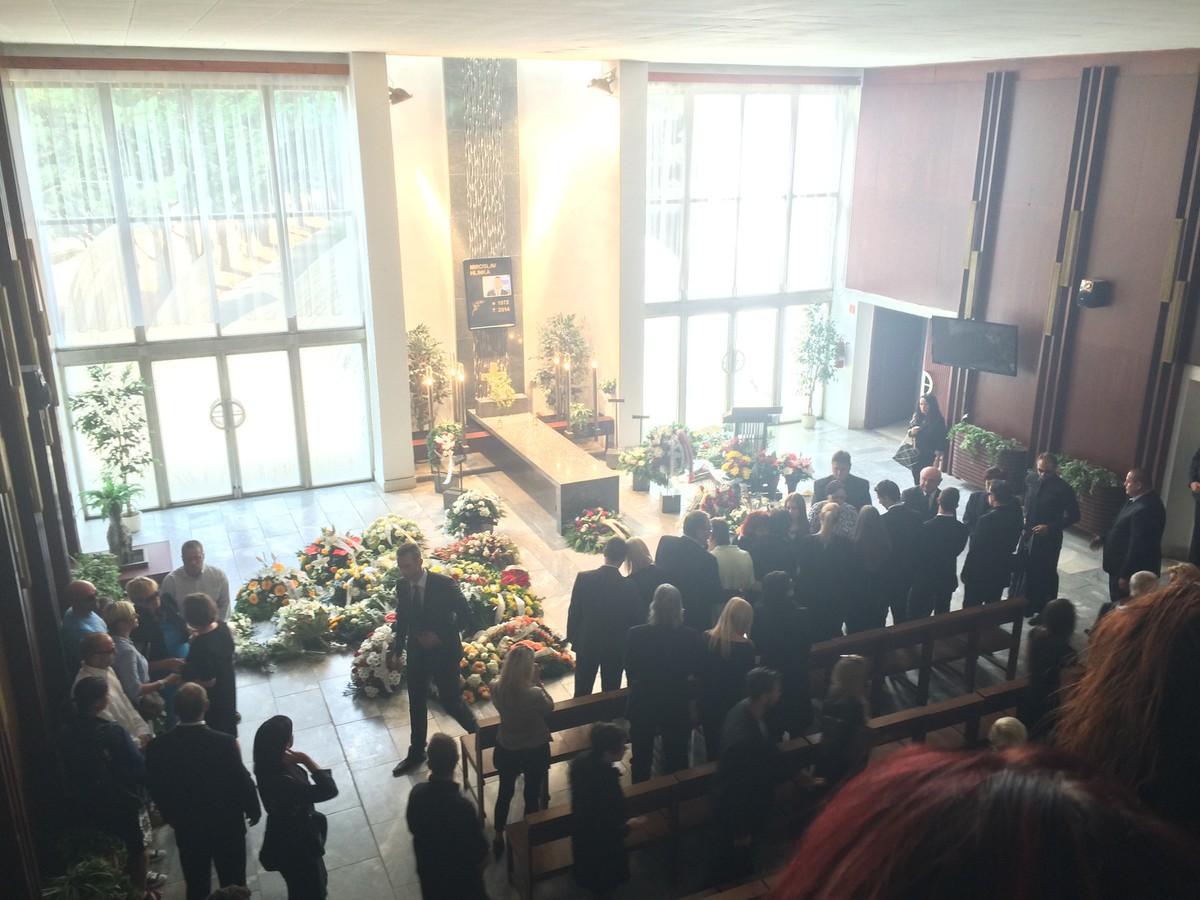 Pohreb Mira Hlinku: Pri rakve priateľka Zuzana, exmanželka neprišla, otca podopierali