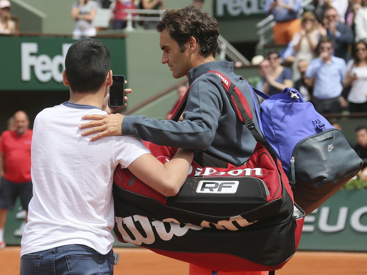Federer má strach o bezpečnosť: Toto sa na parížskom hlavnom kurte nikdy predtým nestalo!