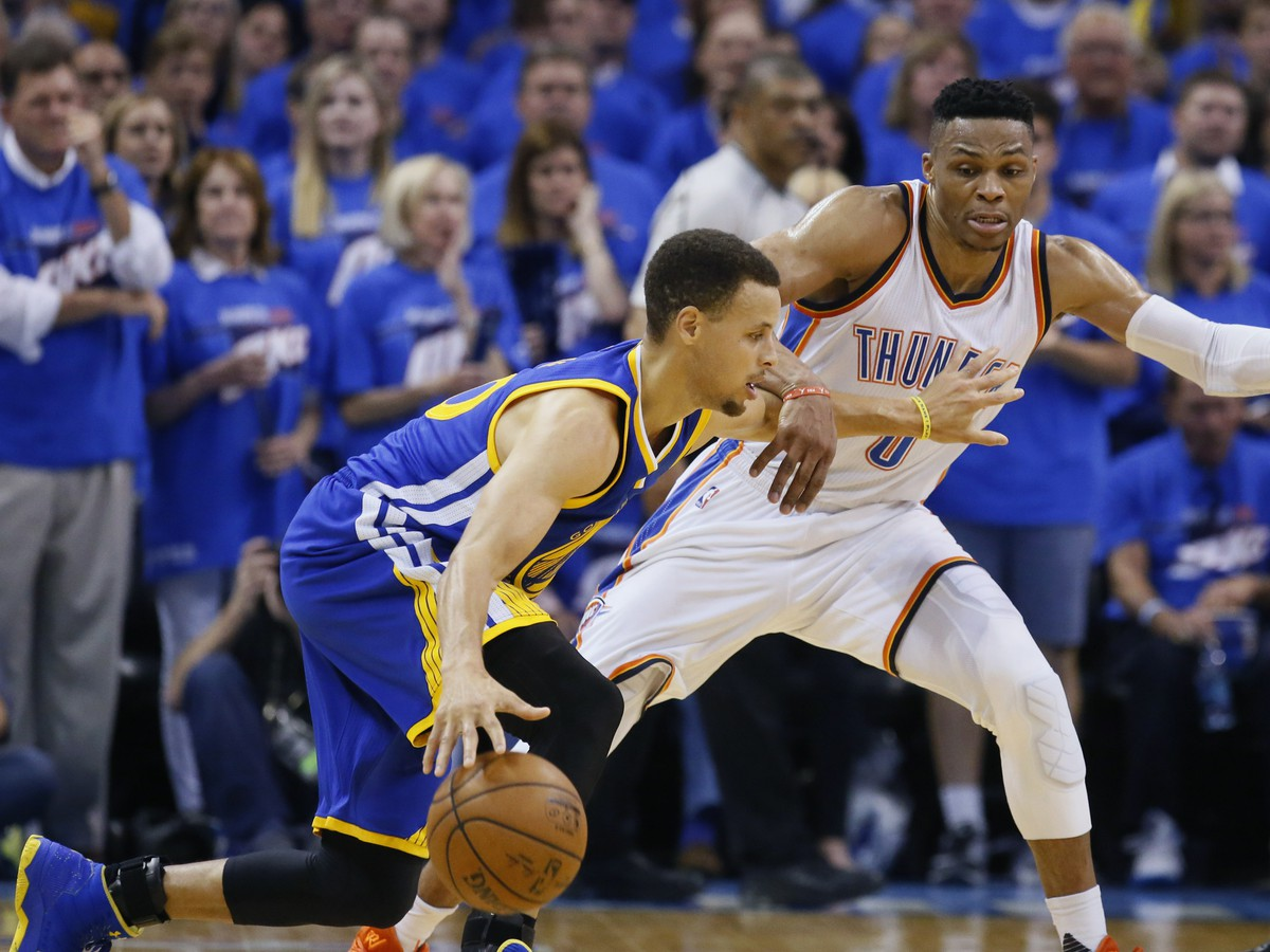 Stephen Curry a Russell Westbrook