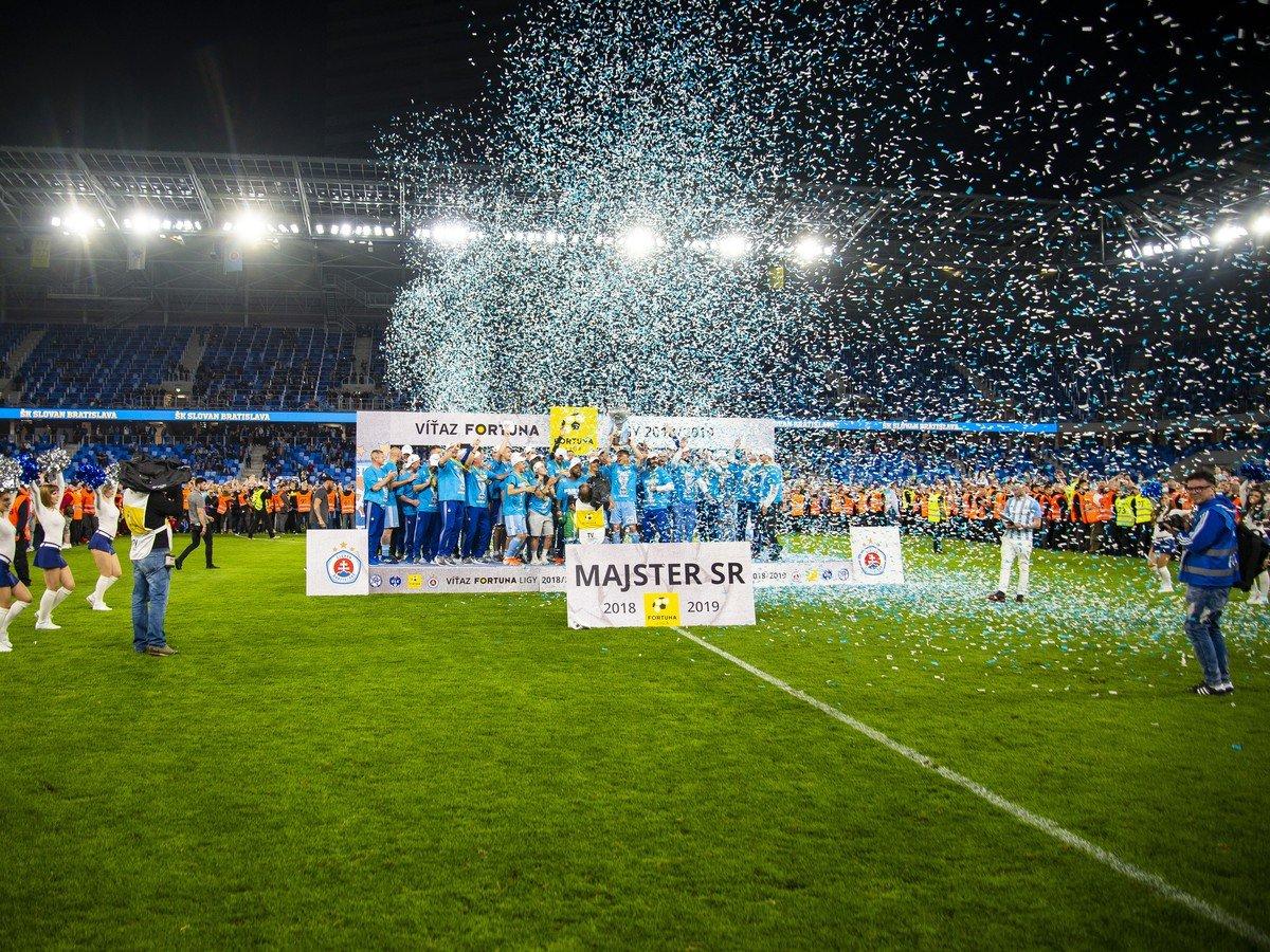b4b6bce8e2d9b VIDEO majstrovskej eufórie belasých: Slovan to opäť dokázal, titul ...