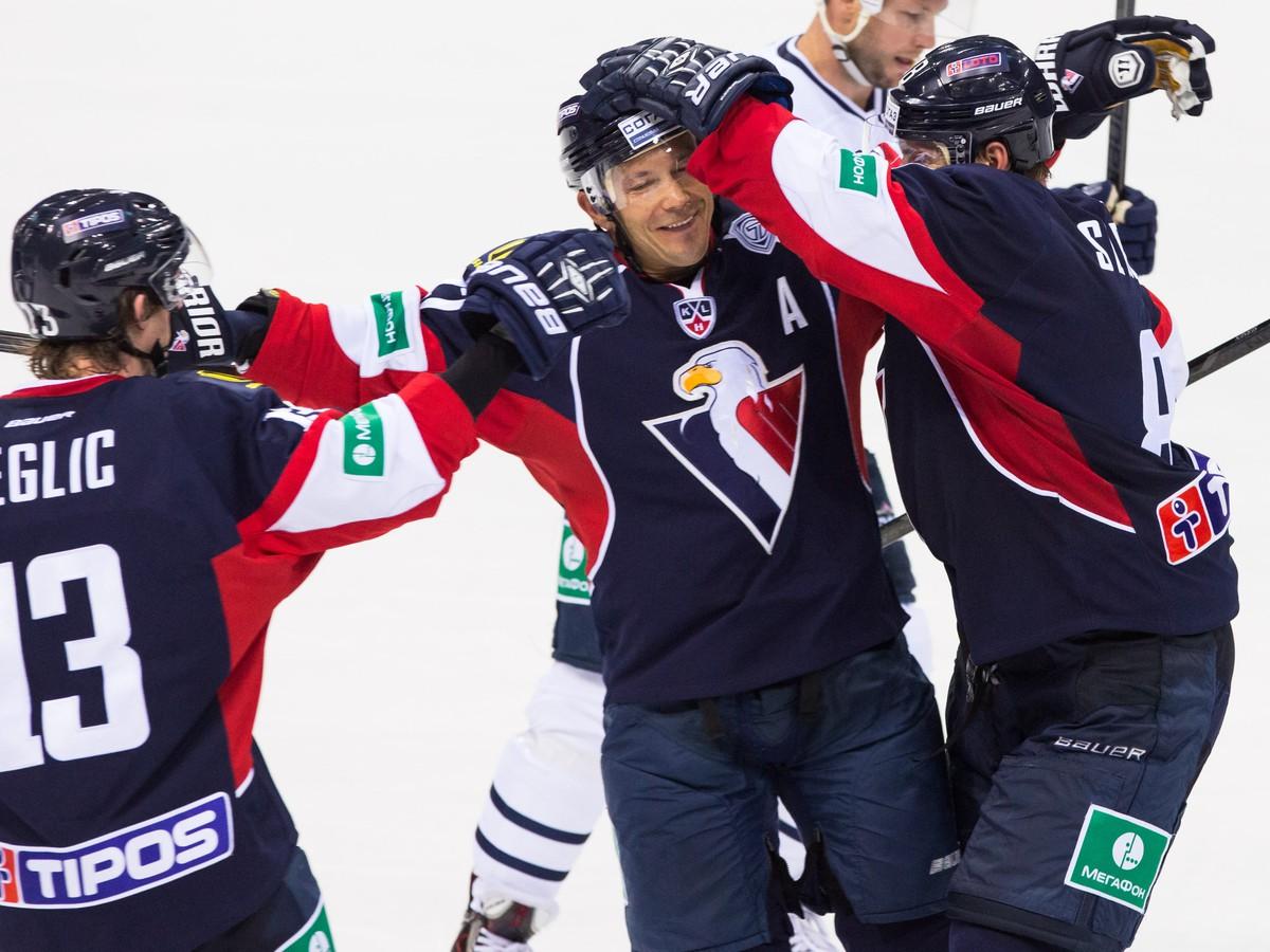VIDEO Slovanisti si vypýtali ocenenia: Nagy za najkrajší gól, Backlund brankárskou parádou