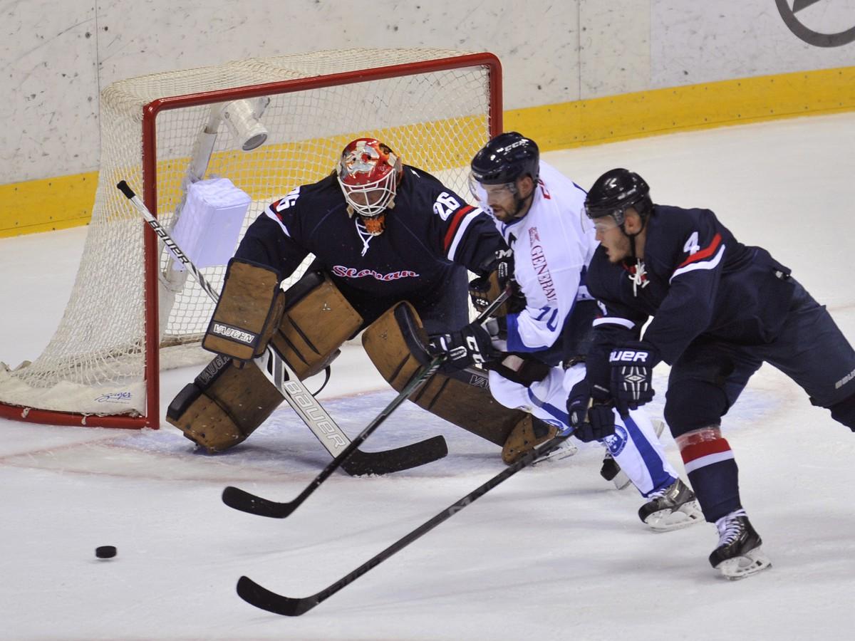 d2f89bc66a504 Brankár Slovana v KHL žiari: V predošlom týždni nemal konkurenciu ...
