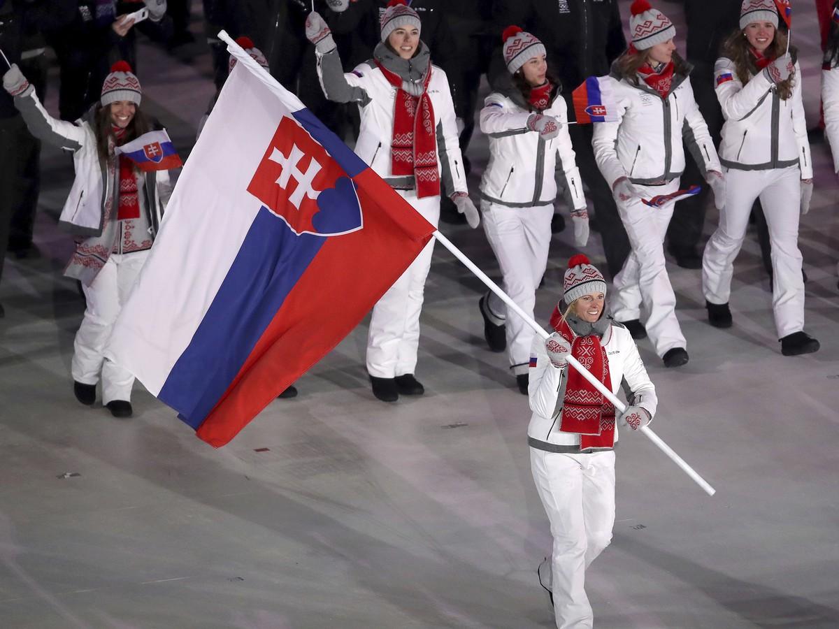c4843429129b8 Slovenskí športovci na čele s Veronikou Velez-Zuzulovou na otváraciom  ceremoniáli ZOH 2018 v Pjongčangu