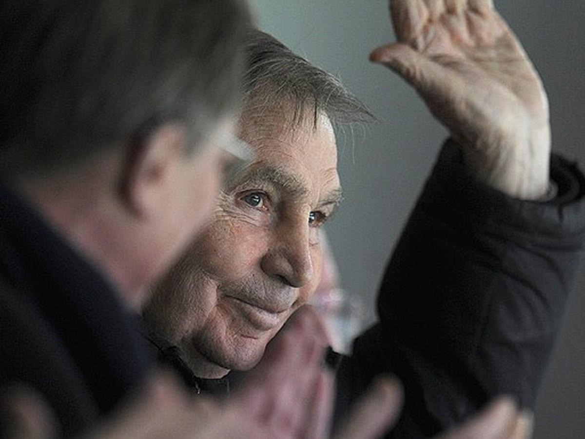 Bol propagátor hry na štyri päťky: Pohreb hokejového diktátora zorganizuje CSKA - ohlasy