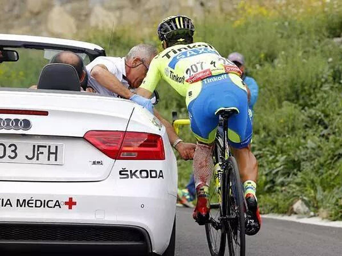 Ďalší škandál na Vuelte: Motorka zrazila aj Saganovho kolegu, skončil v nemocnici!