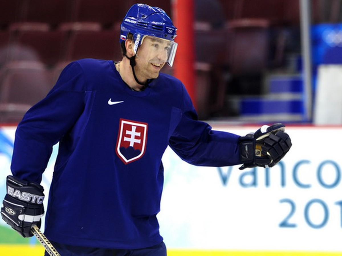 332333cdc8442 Veľký deň pre slovenský hokej: Do Siene slávy IIHF vstúpia aj dve naše  legendy