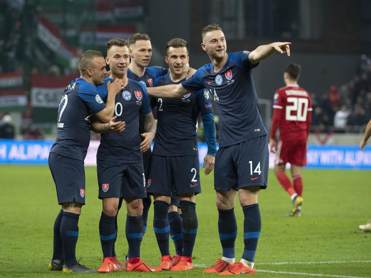 c074d83c6 Najnovšie športové správy. |. Slovenskí futbalisti sa radujú z druhého gólu  do siete Maďarska