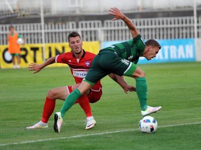 Michal Pintér z FC Vion Zlaté Moravce - Vráble a Lukáš Kubus z 1. FC Tatran Prešov