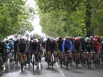 Cyklisti počas 4. etapy