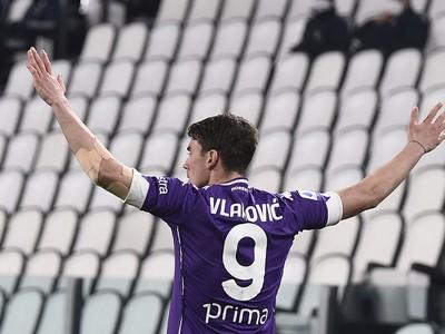 Dušan Vlahovič sa raduje z gólu