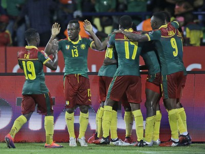 Gólové oslavy futbalistov Kamerunu